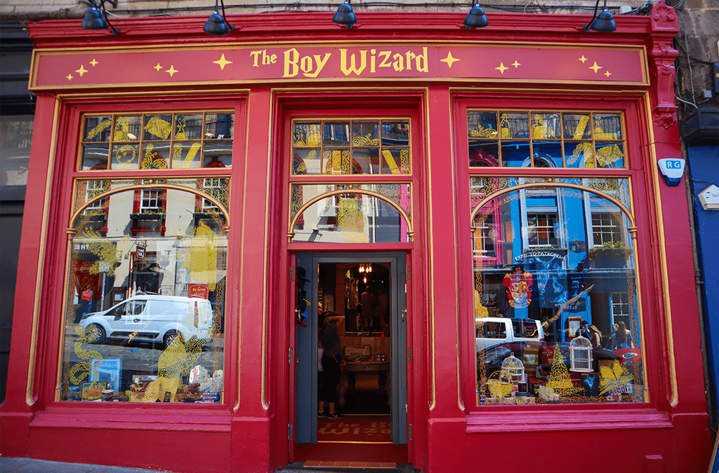 Harry Potter: Walk in the Footsteps of the World's Most Famous Wizard