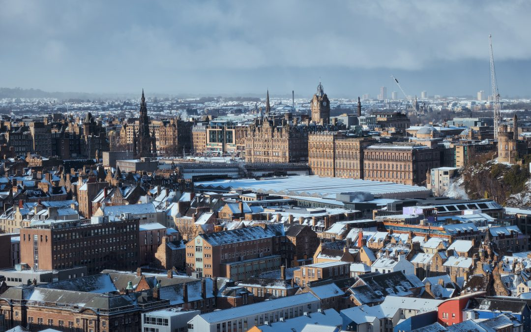 17 breath-taking pictures of Edinburgh in the snow